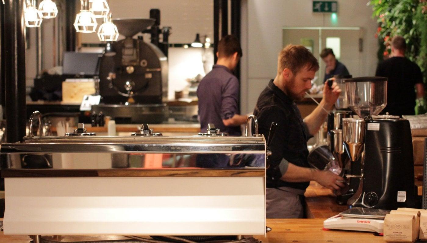 La Marzocco Linea PB Professional Traditional Espresso Machine Cafe